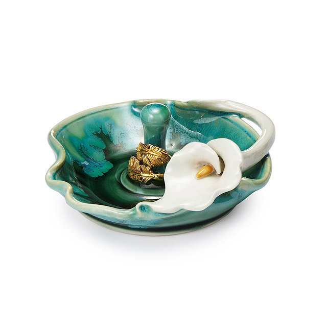 Porcelain Lily Ring Holder