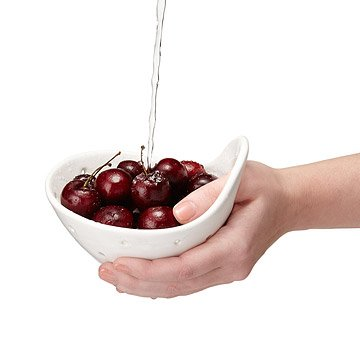 Handheld Berry Bowl