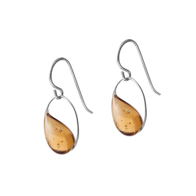 Raindrop in Oval Earrings