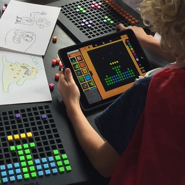 Bloxels Video Game Design Kit