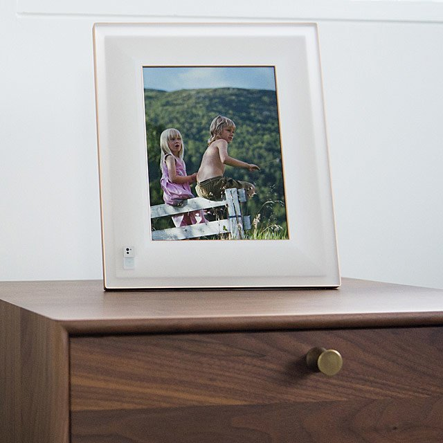 Aura Smart Picture Frame