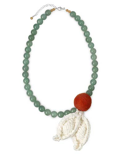LEAVES & BERRY KNIT NECKLACE