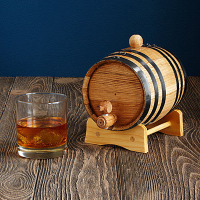 WHISKEY AND RUM MAKING KIT