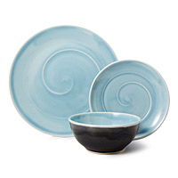 CLASSIC BLUE PORCELAIN DISHWARE COLLECTION