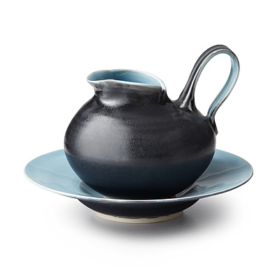 CLASSIC BLUE GRAVY BOAT AND SAUCER