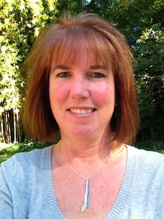 Jewelry designer Eileen Baumeister McIntyre | UncommonGoods