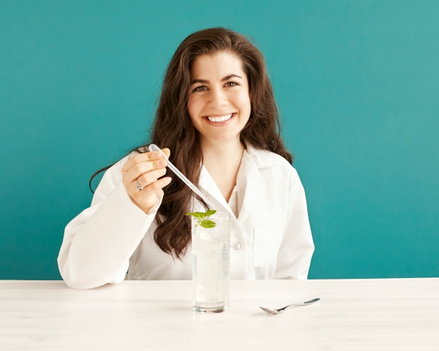 Erica gives the Molecular Mixology Mojito Kit a Try | UncommonGoods