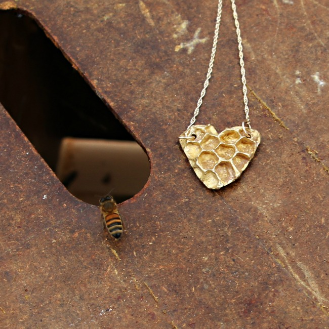 BEE LOVE NECKLACE NANCY NELSON JEWELRY