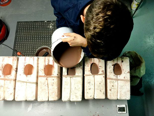 Pouring into mold 01