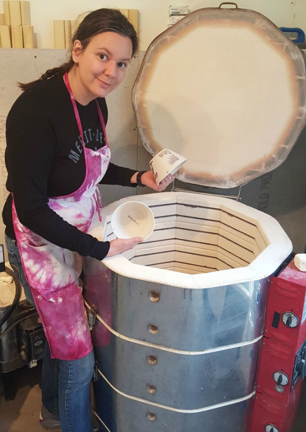 Heidi Fahrenbacher at her kiln | UncommonGoods