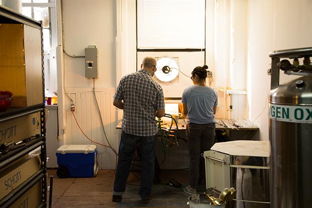 Jim Loewer teaching a glassmaking lesson