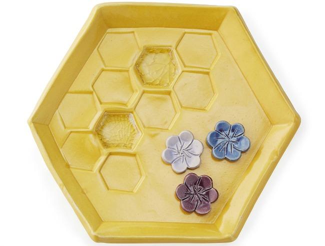 Bee Oasis   UncommonGoods