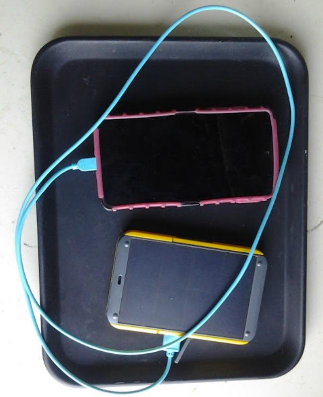 charging-my-phone-650