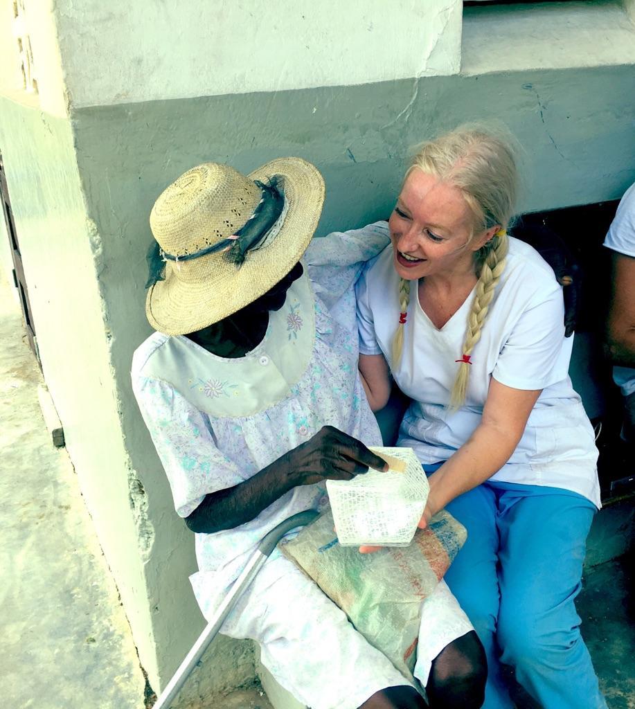 Dr. Alison Thompson delivering SolarPuffs in Haiti