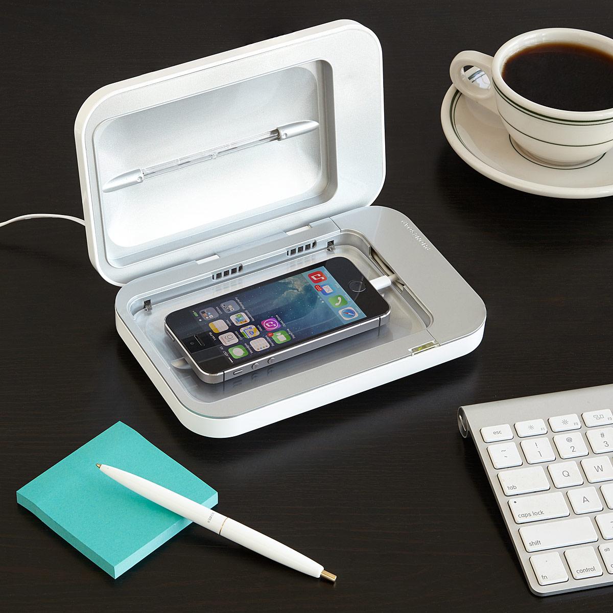 10 Tech Gifts for Gadget Fanatics -The Goods