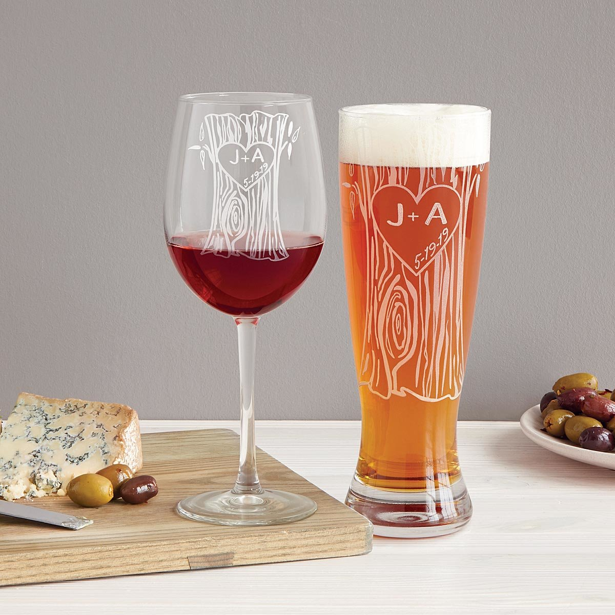 personalized-tree-trunk-glassware-duo