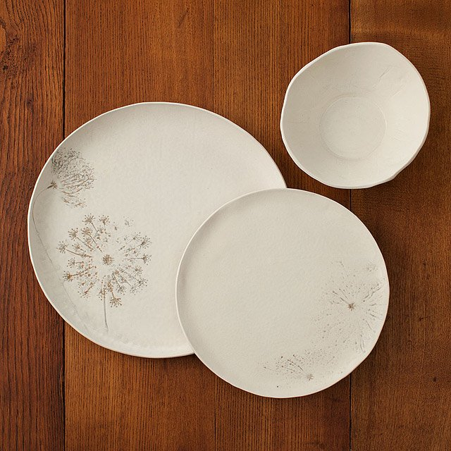 Queen Anne Porcelain Dishware Collection 2