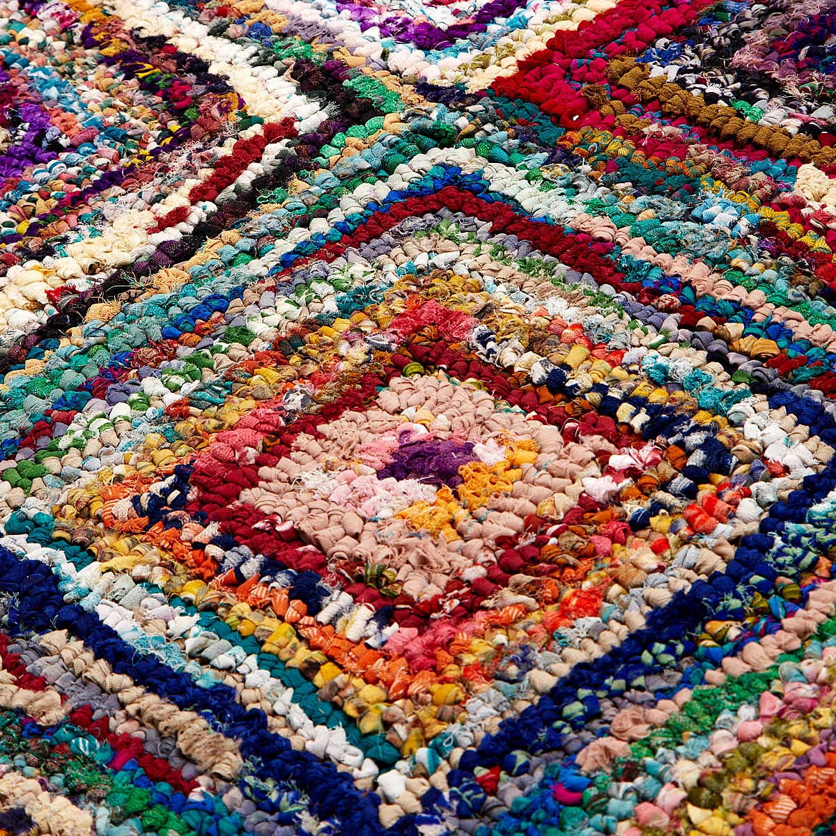 Superior Diamond Sari Area Rug 2 Thumbnail