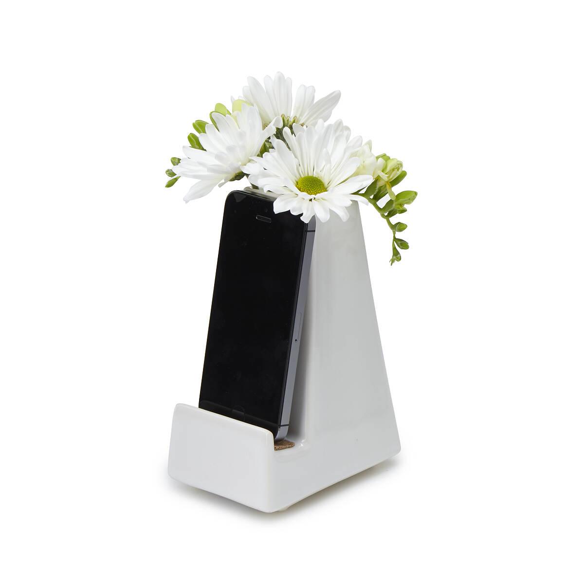 Bedside Smartphone Vase 4 thumbnail