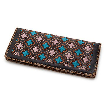 Quatrefoil Embroidered Wallet
