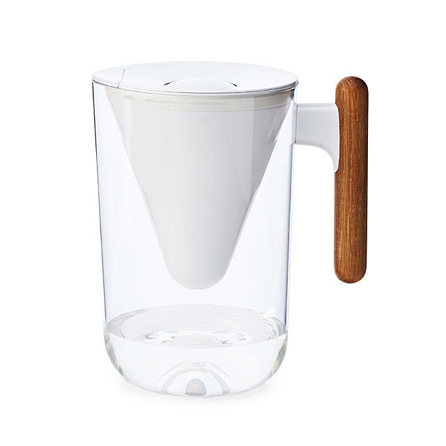 Sleek & Sustainable Water Filter Carafe