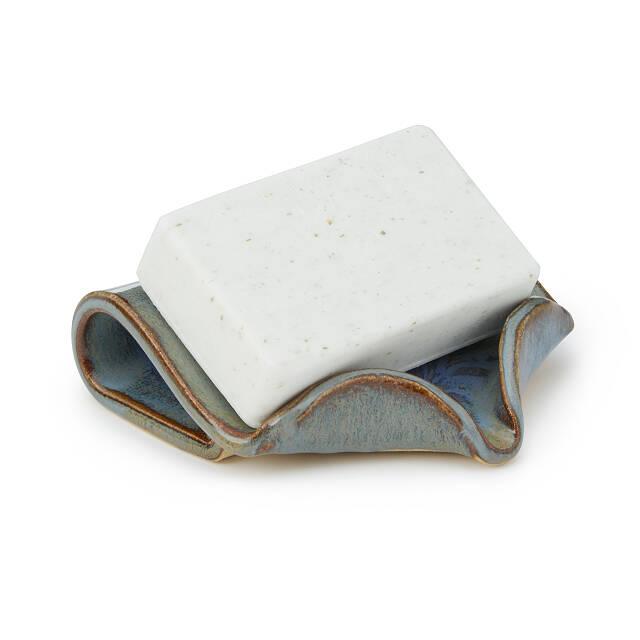 Creative Co-op Mini Metal Bathtub Easy Drain Bar Soap Dish Grey
