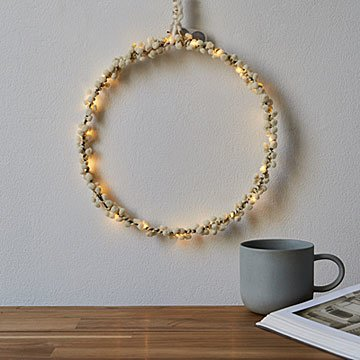 Pom-Pom Fairy Light Hoop