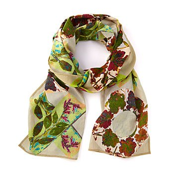 Hugs and Kisses in the Garden Scarf