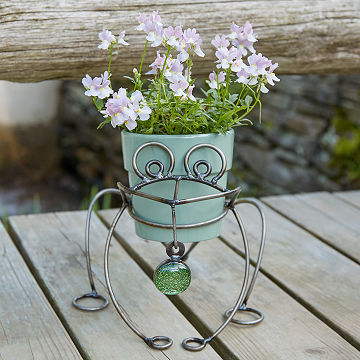 Metal Frog Planter Holder