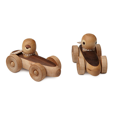 WOODEN RACE CARS WITH DRIVERS