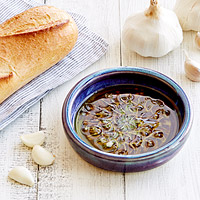 GARLIC GRATER AND OIL DIPPING DISH
