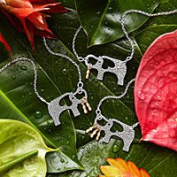 ELEPHANT AND HER LITTLE PEANUTS NECKLACE